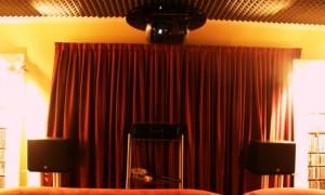 Sala Home Cinema realizzata in locale dedicato